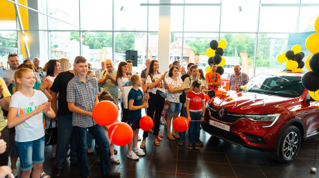 Видео с презентации нового кроссовера Renault ARKANA